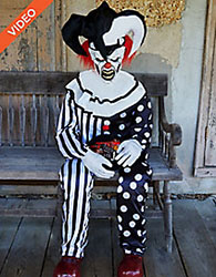 Animated Sitting Scary Clown - Don't Touch My Halloween Candy