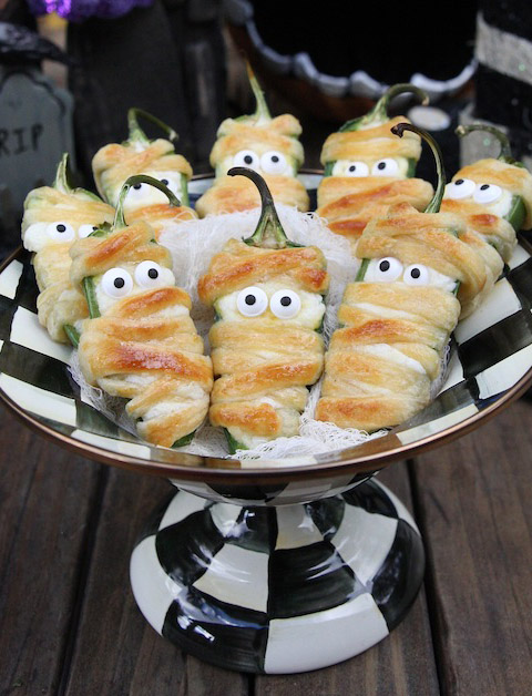 Halloween Jalapeño Mummy Poppers
