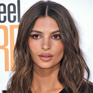 when was Emily Ratajkowski born 1991